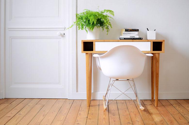 Les jolis meubles en bambou concours vert cerise for Petit meuble informatique design