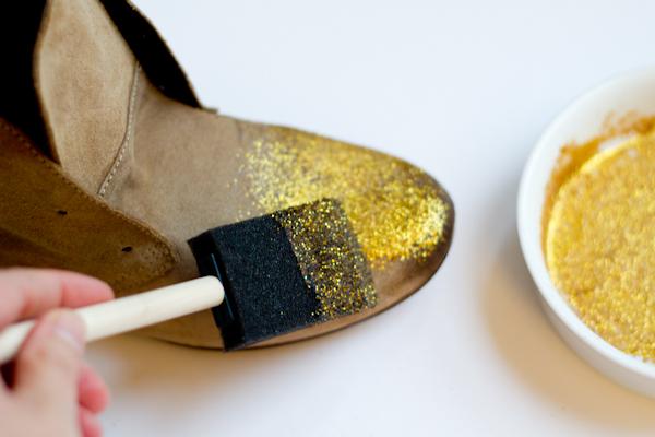 DIY Les chaussuresà paillettes u2013 Vert Cerise Blog DIY Do It Yourself lifestyle et créatif # Coller Du Tissu Sur Du Bois