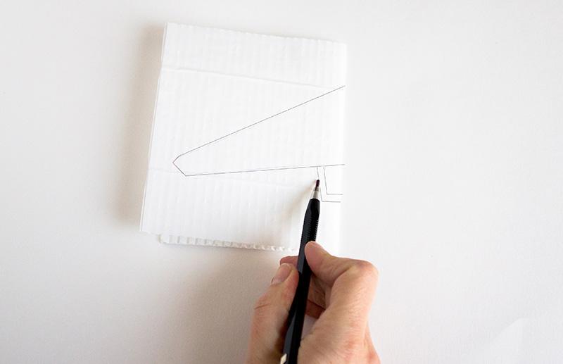 Deltaplane en papier: dessin